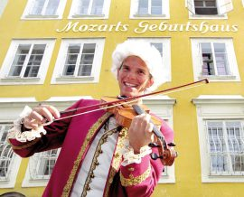 In front of his birthplace: Mozart is present